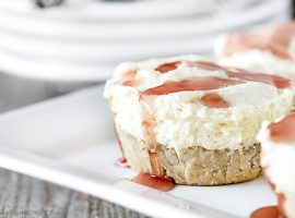 Easy No-Bake Cheesecake Cups with a hint of coffee? Yes, please! livelaughrowe.com