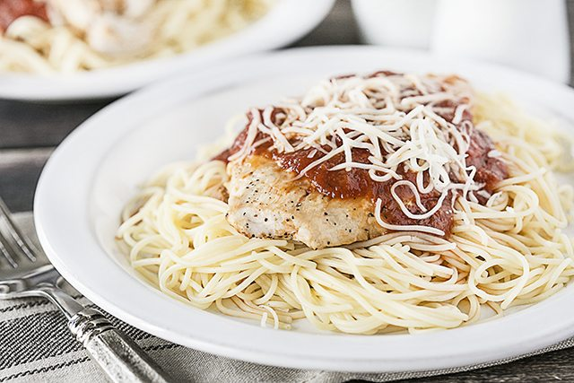Delicious and simple Mozzarella Turkey Cutlets -- a meal the whole family will love! Recipe at livelaughrowe.com