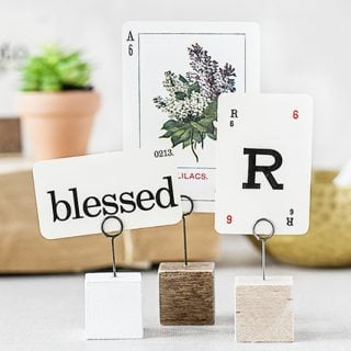 Simple, rustic memo and photo holder. Small enough to use just about anywhere too. Full tutorial at livelaughrowe.com