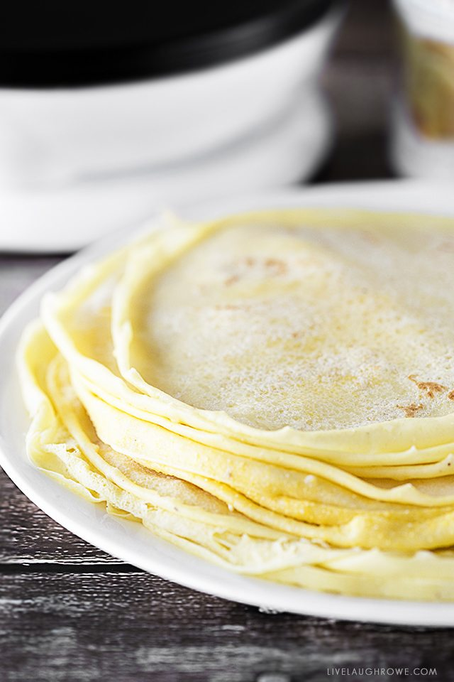 This Homemade Soft Taco Recipe is made with cornmeal and a few other basic ingredients in your pantry or fridge. Cornmeal Crepes for the win! livelaughrowe.com