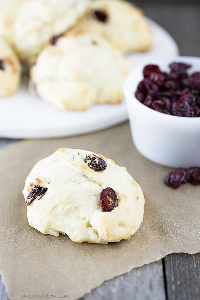 These Healthy Cranberry Scones are perfectly light, fluffy and delicious! Serve these Weight Watchers scones warm with tea or coffee. livelaughrowe.com