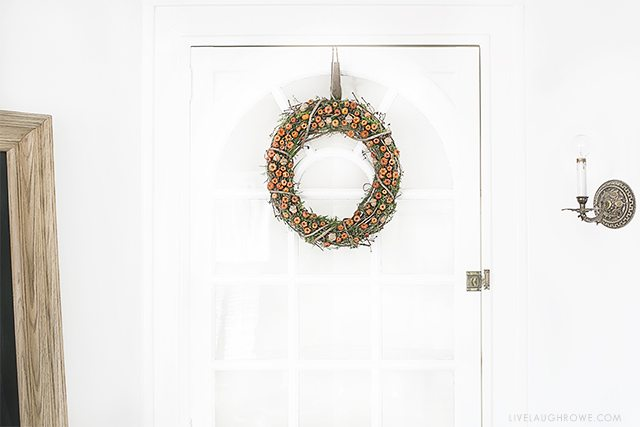 Simple and beautiful autumn wreath that you could make for about $15. Details and tutorial at livelaughrowe.com