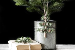 Simple and Rustic Holiday Ornament