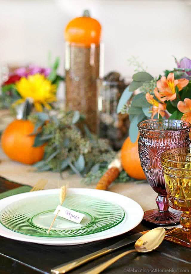 vThanksgiving Menu Ideas PLUS decor and free printables too! Find all of this festive inspiration at livelaughrowe.com