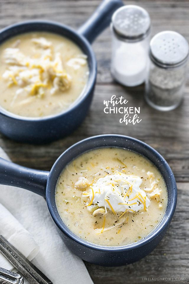 This White Chicken Chili Recipe is sure to warm you up this winter -- a hearty dish that is packed with flavor! Recipe at livelaughrowe.com