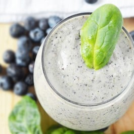 Delicious and dairy free Blueberry Spinach Smoothie! A great serving of fruit and vegetables, so be sure to add this to your breakfast rotation. Recipe at livelaughrowe.com