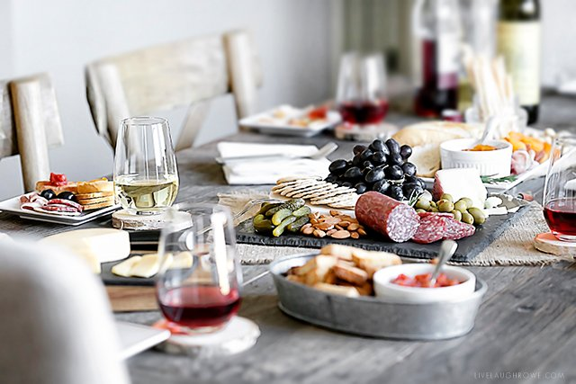 Gift Ideas For Mc At Weddings: Wedding Gifts For The Entertainer And A Charcuterie Board