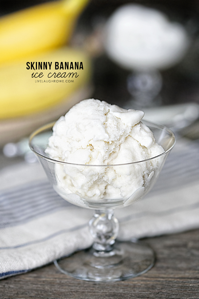 This Banana Ice Cream requires only 4 ingredients and is so incredibly flavorful. A healthy dessert to cool you off this summer? Yes, please! Plus, it's Weight Watchers friendly. livelaughrowe.com