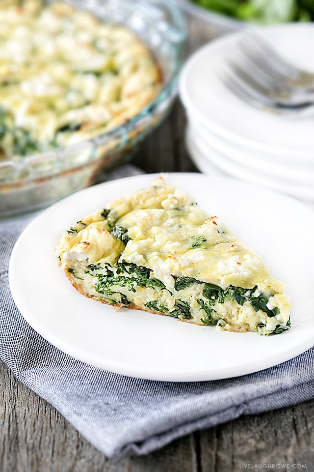 Need to use up some left over spinach? This Weight Watchers friendly Spinach and Feta Quiche is easy to make and great for breakfast, lunch or dinner. Recipe at livelaughrowe.com