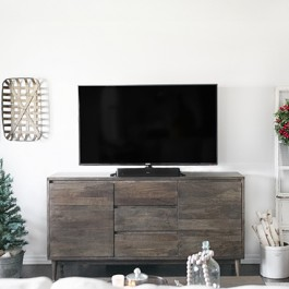 Simple Modern Farmhouse Living Room Holiday Makeover. Take a look at some of these beautiful pieces purchased from the Home Depot. Learn more at livelaughrowe.com (sp)