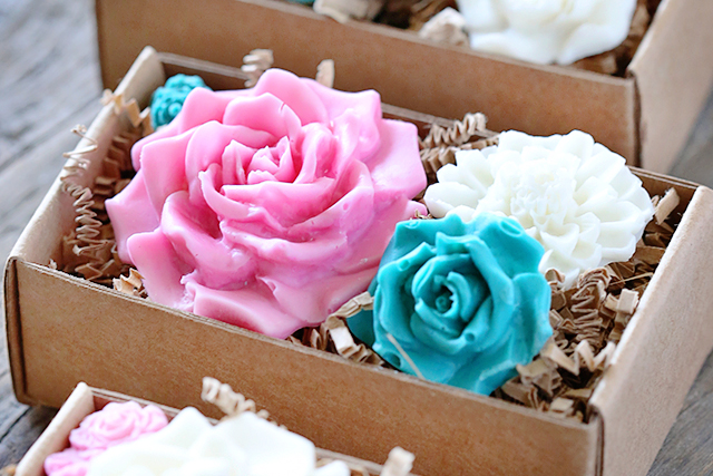 How to Make Chocolate Flowers! Easy Gift Idea  - Live Laugh Rowe