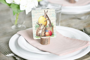 Sweet vintage inspired (and FREE) printable Easter place cards. These are perfectly festive and are great for journaling cards too. Print yours at livelaughrowe.com