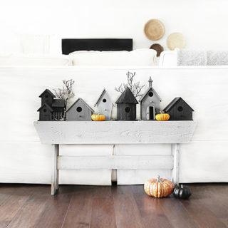 Halloween Birdhouse Vignette