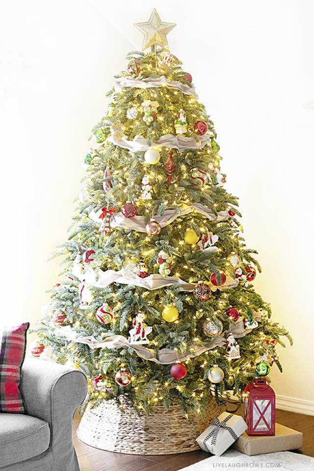 Mistletoe and Holly Lit Tree