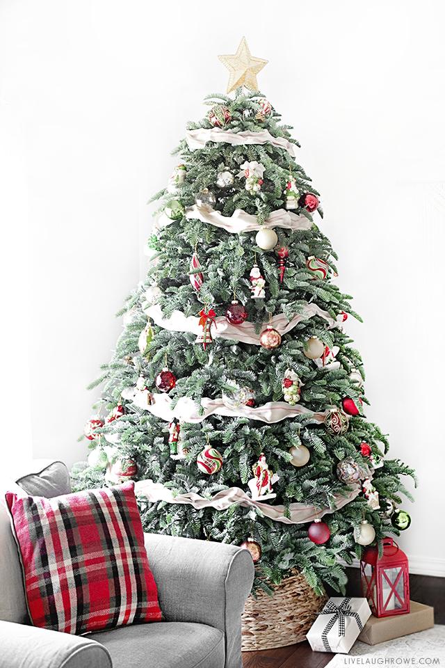 Mistletoe and Holly Christmas Tree